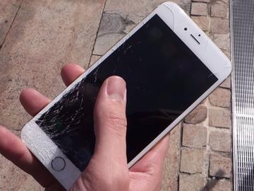 iPhone 6/6 Plus có chịu được va đập không?Dân mạng nước ngoài chia sẻ thực tế trải nghiệm